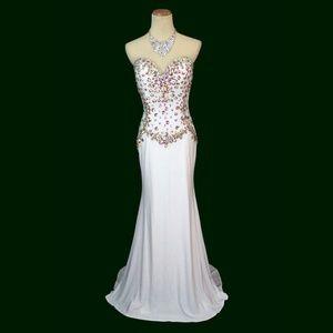 NWT Alyce Prom White  Beaded V-Neck Open-Back